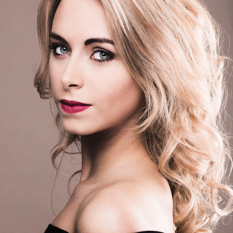 Portrait : Emilie Delaplace, Miss Picardie 2015
